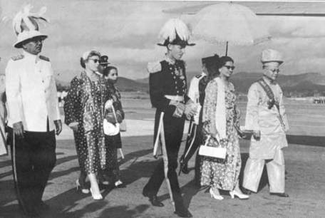 tunku-abdul-rahman-during-merdeka-celebrations.jpg