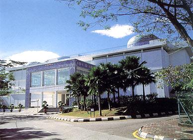 kuala_lumpur_islamic_arts_museum_malaysia.jpg