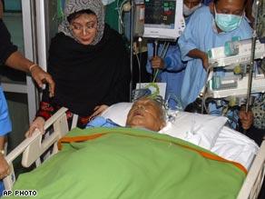 suharto-ill.jpg