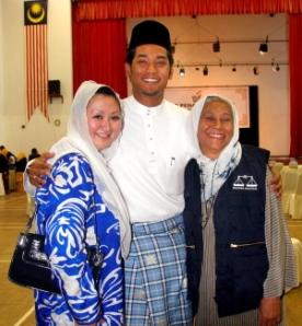 Khairy sekeluarga