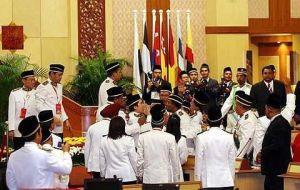 Persidangan Dewan Undangan Negeri Perak pada 9 Mei 2009 dimana ADUN Pembangkang menunjukkan kebiadapan mereka dihadapan Pemangku Sultan Perak