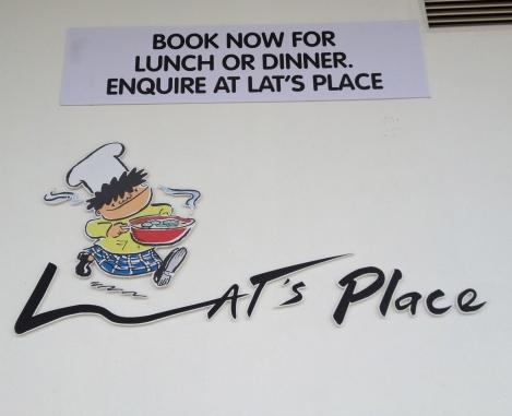 Lat's Place: Menerima pengunjung