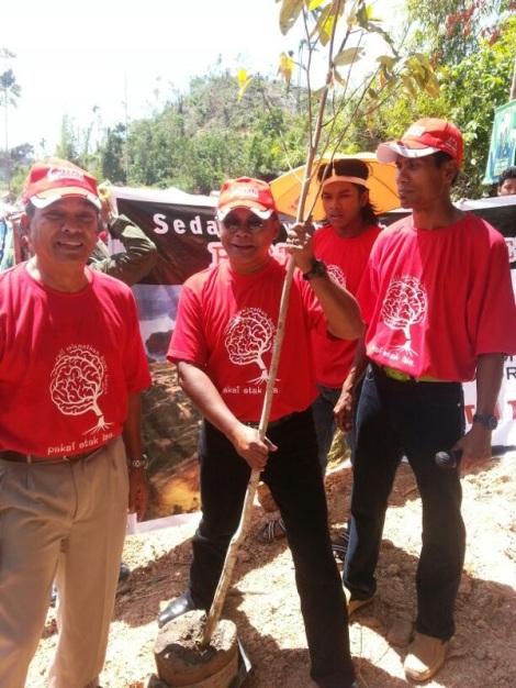 Zainal 'Hijau' Abidin planted his tree in Lake Pedu