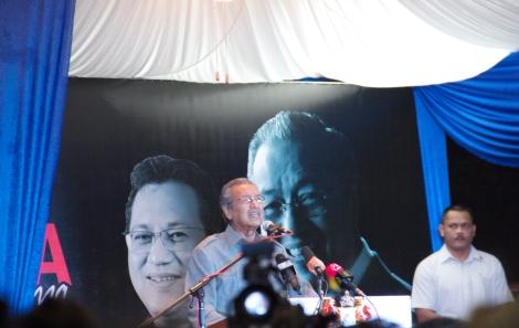 Tun Dr Mahathir Mohamad berucap di Kempas, dalam Parlimen Pulai 31 Mac 2013