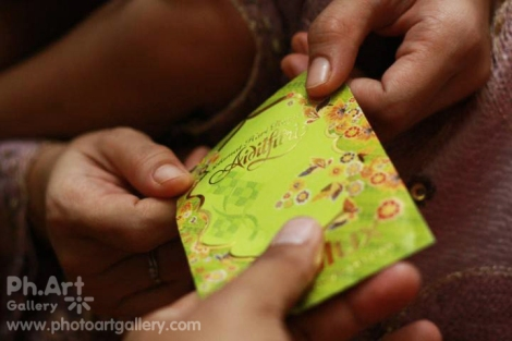Time for generousity: Hari Raya packets