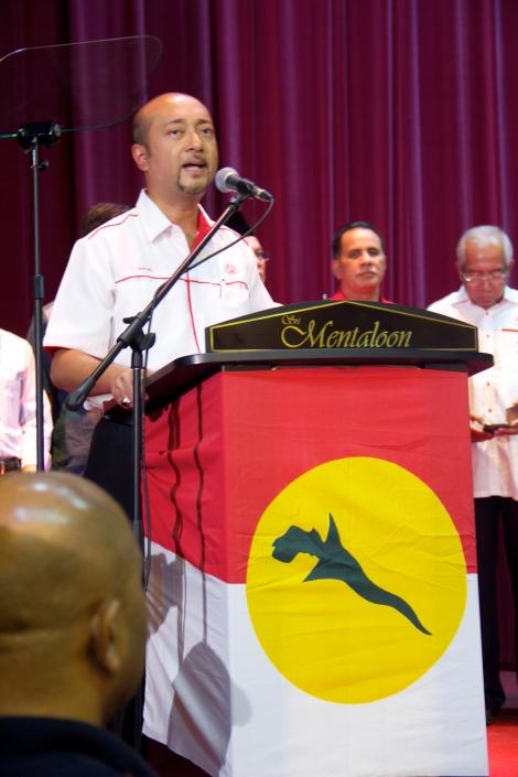 MB Kedah Dato' Paduka Mukhriz Mahathir berucap mengumumkan pencalonan beliau sebagai Naib Presiden UMNO