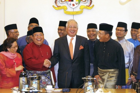 PM NaJib welcomes PERKASA High Council at the Prime Minister's Office