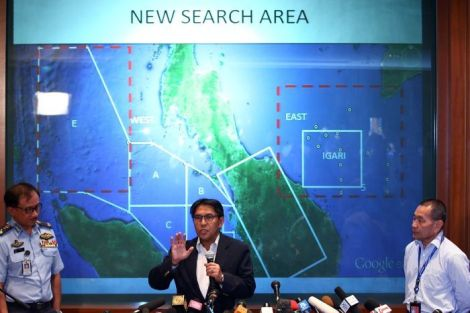The Co-ordinator for the MH370 SAR Director General of Dept of Civil Aviation Dato' Azharuddin Abdul Rahman presenting the 'expanded area of operation'