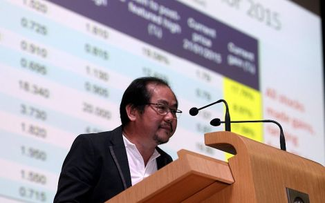 KUALA LUMPUR - Jan 24, 2015. The Edge Media Group Executive Chairman Datuk Tong Kooi Ong at the Alliance Bank 2015 Investment and Market Outlook Forum.  Photo by :  SUHAIMI YUSUF